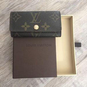 Louis Vuitton 4 key case